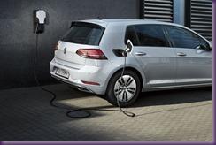 vw-volkswagen-e-golf-elektroauto-seitenansicht